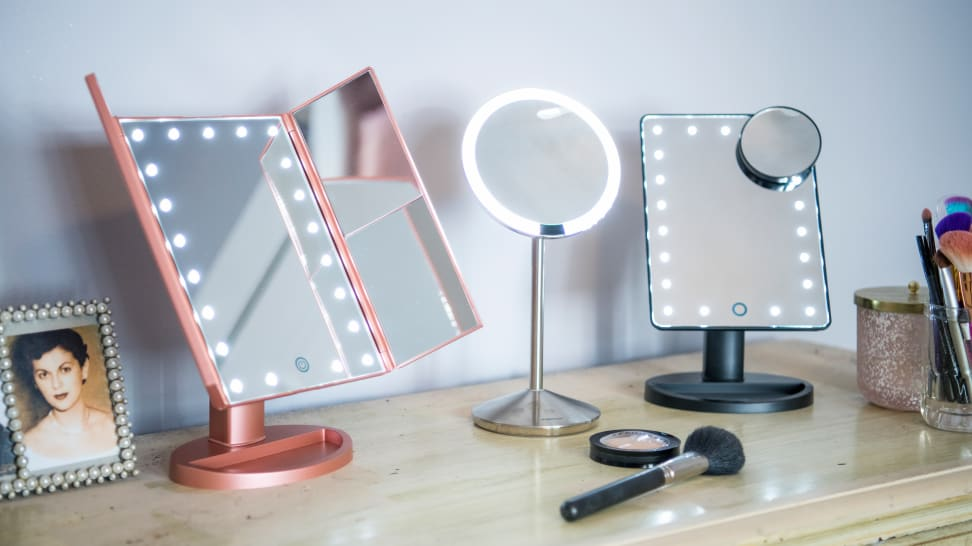 9 Best Travel Vanity Makeup Mirrors That Are Worth the Money